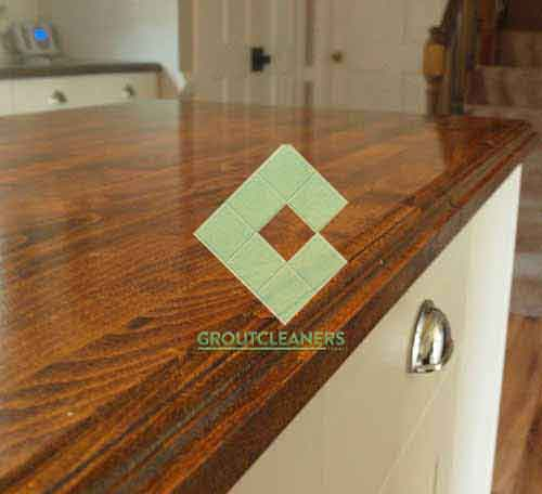 wooden_counter_top