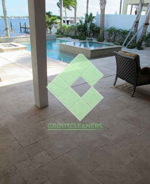 outdoor_travertine_tiles_modern_pool_patio